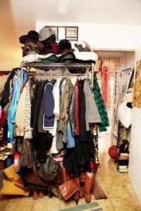 ropa desordenada