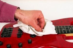Como-Limpiar-una-Guitarra